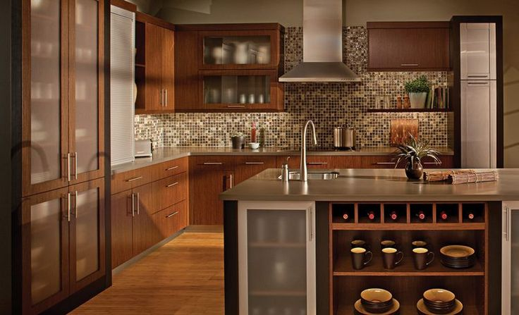 Ötletek: modern konyha, praktikus tárolási megoldások tárházával