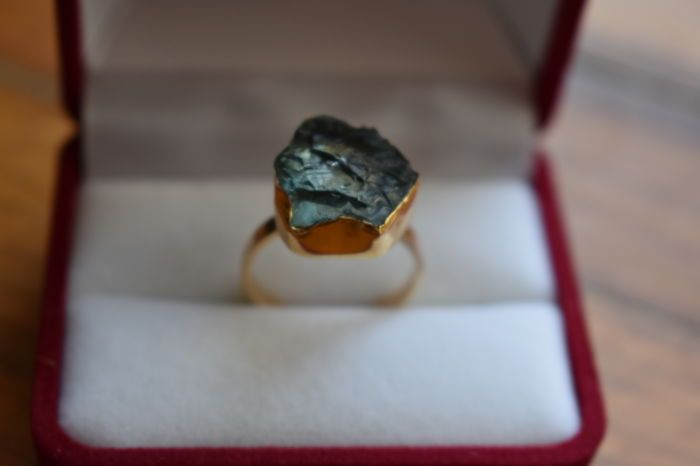 Currently at the #Catawiki auctions: A uniquely handcrafted, yellow gold, 18 ct. ring set with an aqua marine ston...