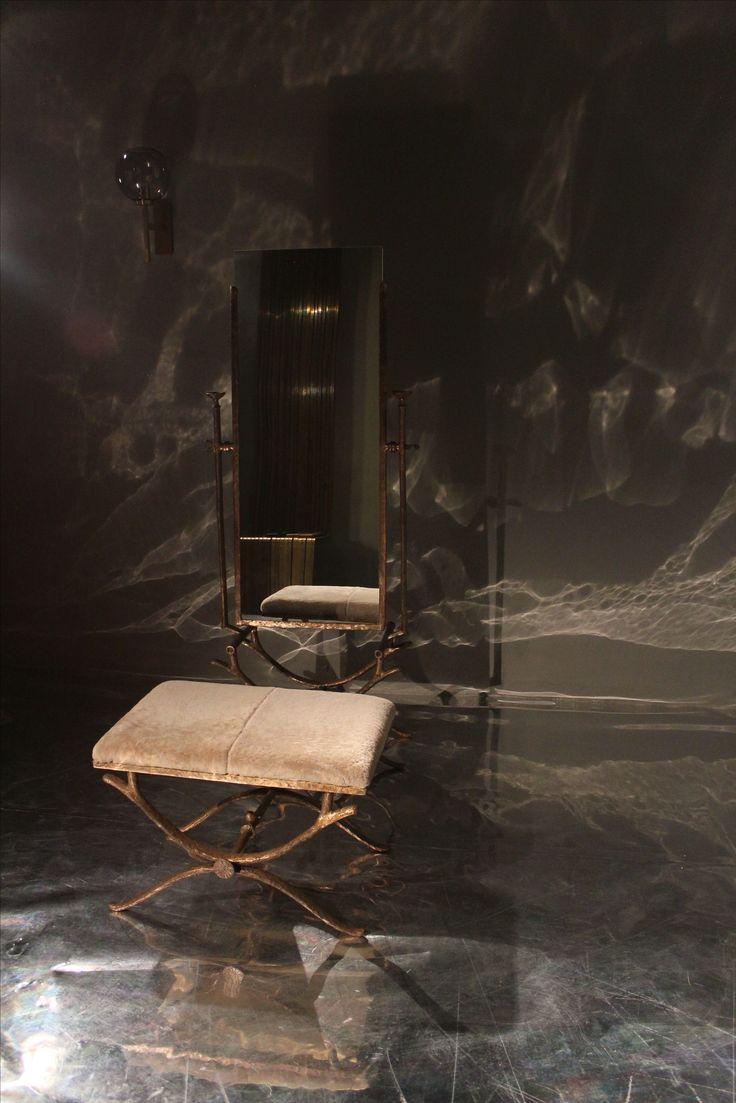 "Simone Ricart, ""Sing Sing"" pouf, 2008, Italy & ""La Victoria"" mirror, 2008, Italy #erastudio #erastudioapartmentgallery #designgallery #mirror #apartmentgallery #gallery #pouf #simonericart #italiandesign #bronze #goldenfinishing #design #interiorstyling #interiors #shearlin #artdesign #art #arte #artcollector #collectibledesign #artadvisor #artdealer #breradesigndistrict #milan #italy"