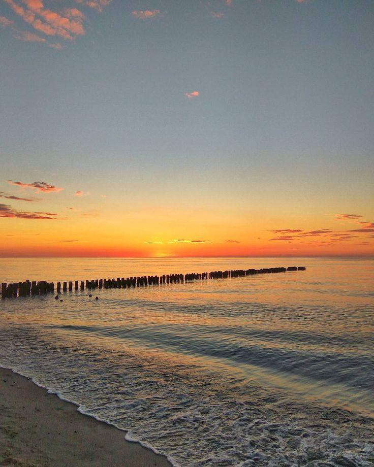#Mielno #Promenada #beach #sea #Bałtyk #baltic #balticsea #nature #natura #sunset #sun #sky #light #clouds #holidays #vacation #Poland #Polska #xiaomi #snapseed #nofilters #nofilter #sand #zachodniopomorskie