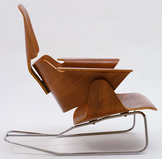 An Eames plywood lounge chair @ MoMA.