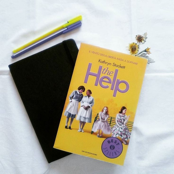 Ho voglia di gridare così forte che la piccolina riesca a sentirmi che sporco non è un colore che le malattie non sono la parte nera della città. Voglio che non venga il giornoe viene sempre nella vita di un biancoin cui comincerà a pensare che quelli di colore non sono bravi come i bianchi. Buon Sabato #lettori! Grazie a @la_libreria_di_rina_e_arianna per averci taggate per il #bookishletter  Ci ha assegnato la lettera T e io ho scelto uno dei miei libri preferiti: The Help di…