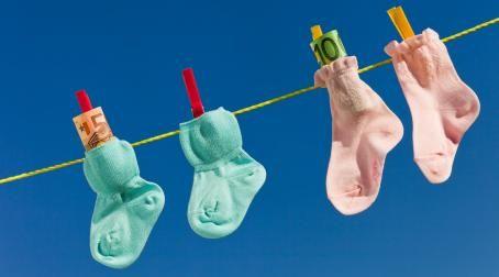 Finanzen während der Babypause: In der Karenzzeit wird man via Familienbeihilfe und Kindergeld unterstützt. Die Facts.