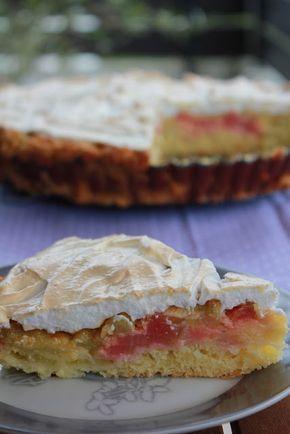 Rhabarberkuchen mit Vanillepudding und Baiser. Für Leckermäulchen,  mit Mürbeteig, Vanillepudding und Baiserhaube. Einfaches Rezept, gelingt immer. Und hier ist das Rezept http://wolkenfeeskuechenwerkstatt.blogspot.de/2013/05/rhabarberkuchen-mit-baiser.html