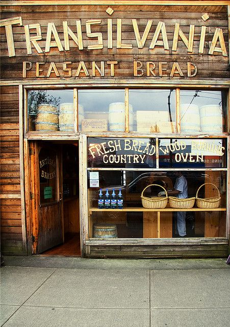 Transilvania Peasant Bread by Robin Thom on Flickr.