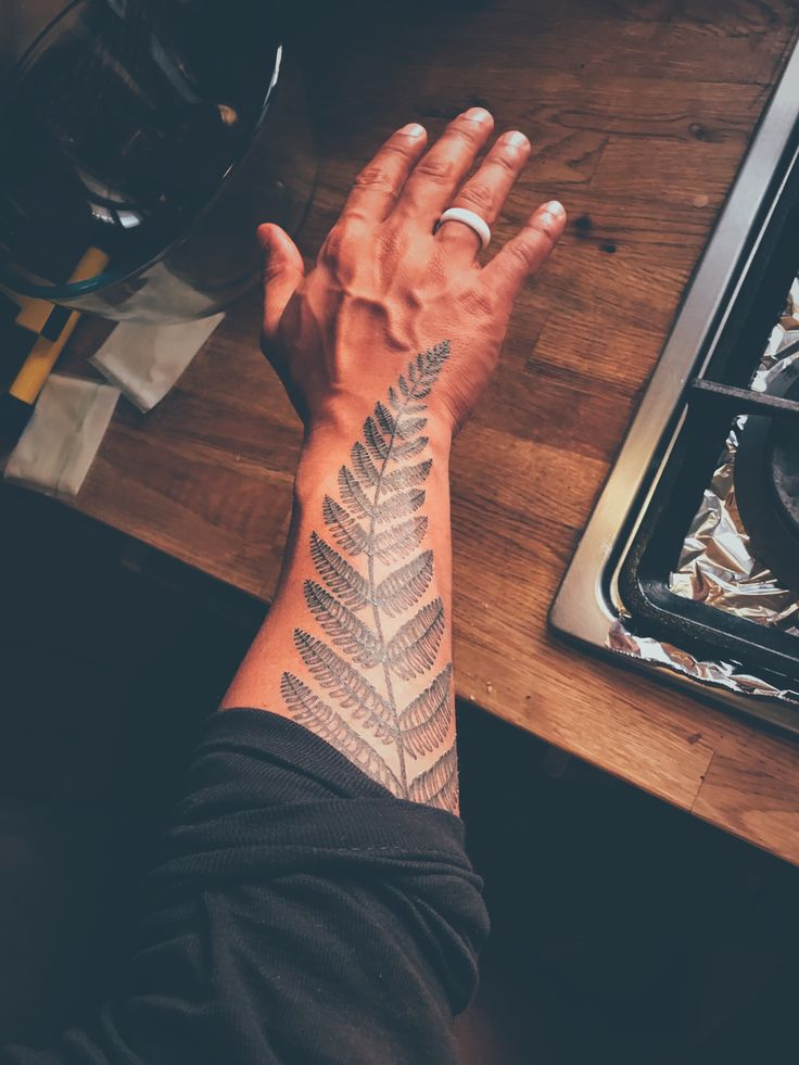 Fern tattoo ( when you wanna create a leaf tattoo. make sure to get an actual leaf that you like to your artist so it will always looks different and special. (#leaftattoo #flashtattoo #tattooidea #tattoos #treetattoo #kuwait #amazingtattoo )