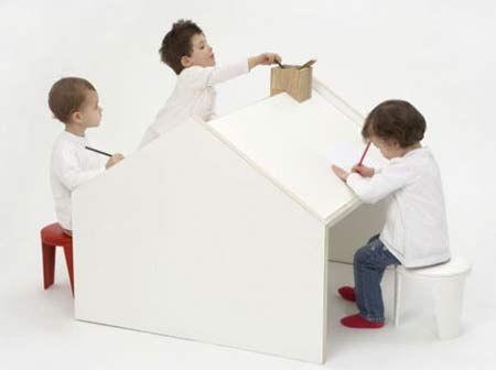 Scrivania per bambini a forma di Casa