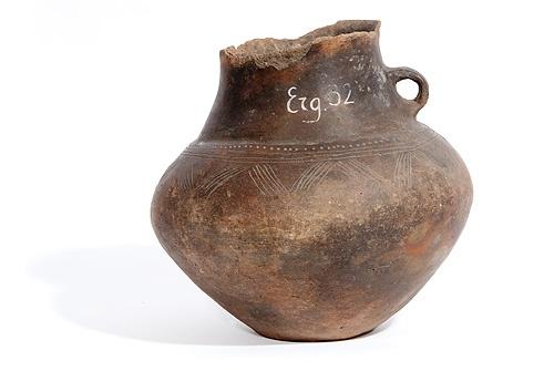 Archäologie | Grabgefäß aus Keramik | Fundort: Garlitz | Museum und Galerie Falkensee #Archaeology #Museum