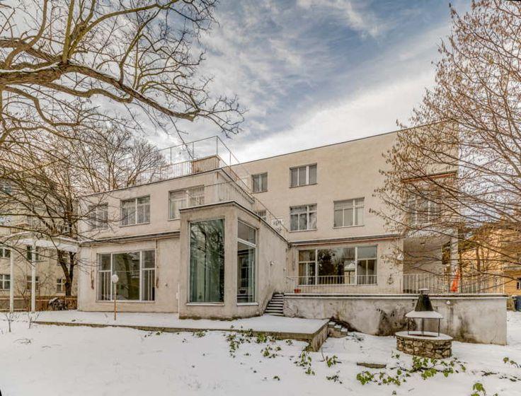 Les 2 et 3 avril Villa Beer à Vienne exemple de l'architecture moderniste réalisée entre 1929 et 1931 chefd'œuvre de l'architecte Josef Frank