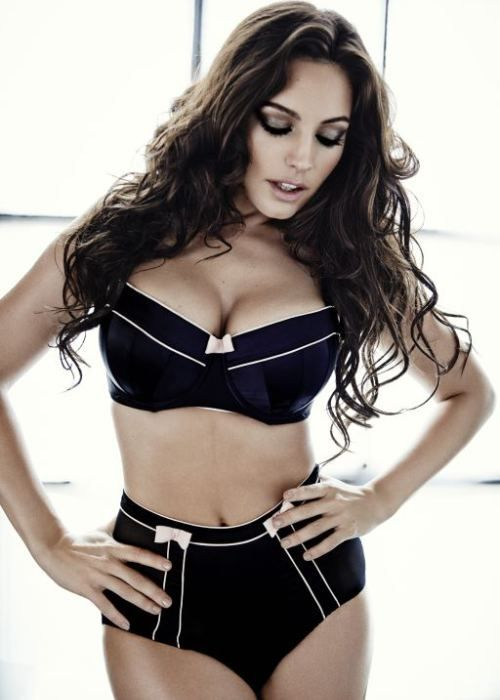 Kelly Brook, Height , Weight & full profile Information