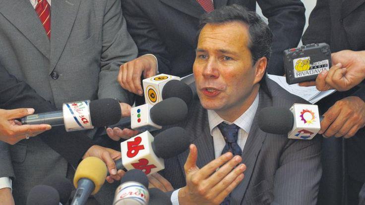 Raúl Kollamann: La hipótesis de los asesinos ultraprofesionales como responsables de la muerte de Nisman, un comando iraní-venezolano-kirchnerista, hace agua por todos lados. En especial porque más tarados no pudieron ser... Usaron una pistola calibre 22, la... - 25.09.2017
