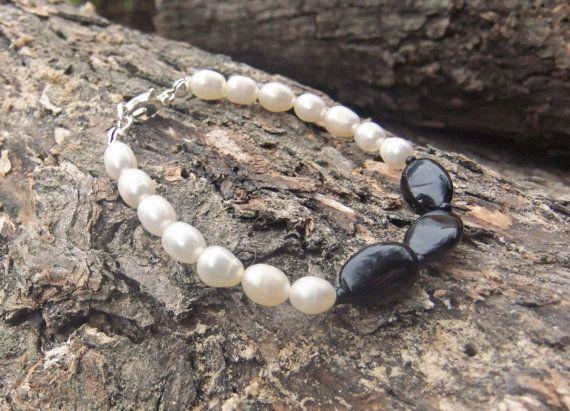 Freshwater Pearl and bracelet Onyx gemstone by ellenisworkshop, $49.00