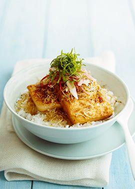ごま油のコクと香ばしさをたっぷりの薬味が引き立てる。朝・昼・お酒のシメにも喜ばれるほっとする日本の味。