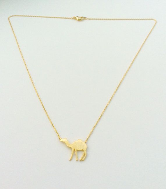 This is a camel necklace that is made of gold plated chain and gold filled camel pendant. Measurement:  17 1/2  Camel size:  3/4    Gift Wrap: