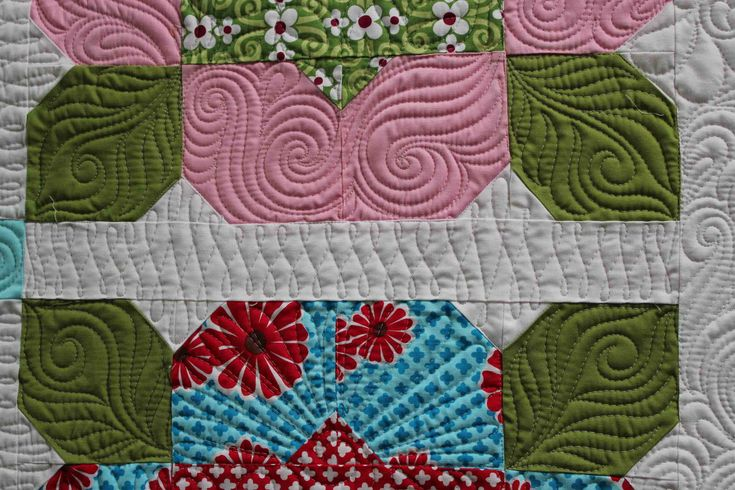 A close-up of some amazing quilting by @Angela Walters: Quilting Designs, Quilts Inspiration, Longarm Quilts, Walter Quiltingismytherapi, Quilts Design Patterns, Angela Walter Quilts, Amazing Quilts, Machine Quilts, Machine Quilting