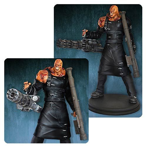 Resident Evil Nemesis Colossal 1:4 Scale Statue - Hollywood Collectibles Group - Resident Evil - Statues at Entertainment Earth