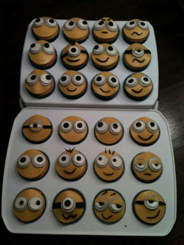 Traktatie: Verschrikkelijke ikke cupcakes met marsepein. Lieke 6 2014