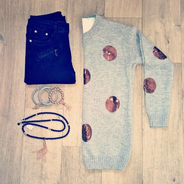 We  rose gold!! Check out these super cute knits with copper sequin spots! This style is available from several labels in grey black white and beige with copper spots white grey and black with silver spots! Priced from just $52!! #copper #rose gold #flatlay #ootd #allpashedup #clothing #fashion #portfairy #portfairyfashion #shop3284 #greatoceanrd by pashcollection