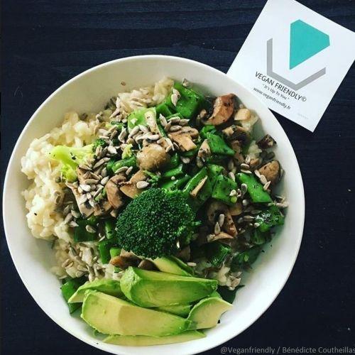 Découvrez la recette coup de coeur Likeachef : Risotto légumes verts et champignons.