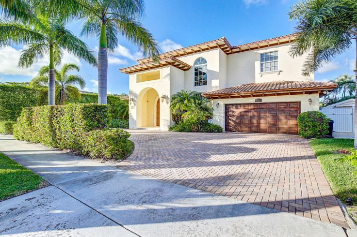 Newly Listed North Palm Beach Florida Home For Sale! #newlisting #northpalmbeach floridahomes #southfloridarealestate #waterfrontproperties