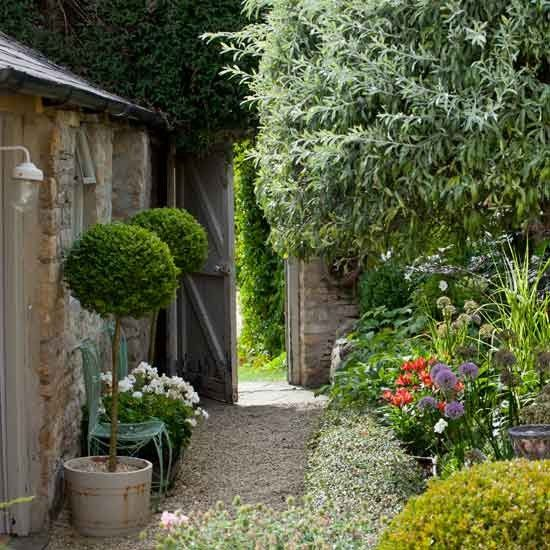 Small Home Garden: 32 Best Images About Side Gardens On Pinterest