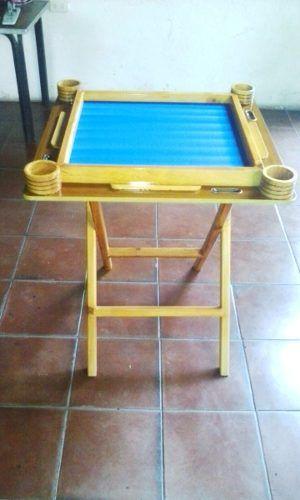 Mesa Para Jugar Domino Y Juegos De Mesa - Bs. 70,00 en Mercado Libre