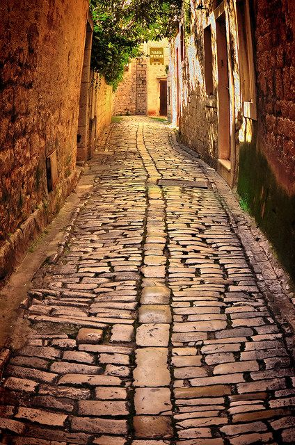 ~~Trogir - Hidden street | Dalmatia, a historical region of Croatia on the eastern coast of the Adriatic Sea by Damir B~~