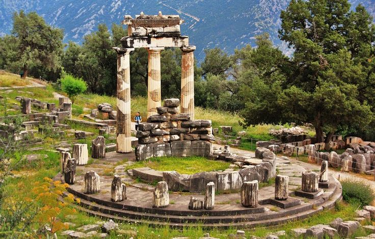 Also known as the Navel of the Earth, #Delphi is located in a unique location surrounded by a landscape of rugged and imposing grandeur.
