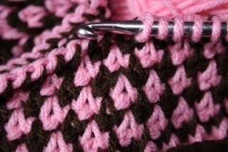 Handy Hooker: Dog-tooth or Houndstooth (Tunisian Crochet)