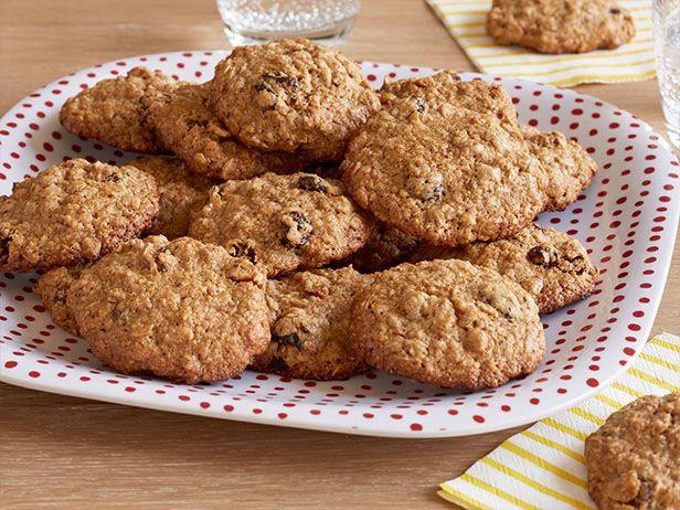 Oatiest oatmeal cookie recipe alton brown food network for Alton brown oat cuisine