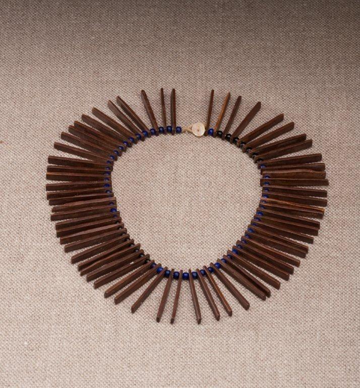 Mfengu wooden necklace.