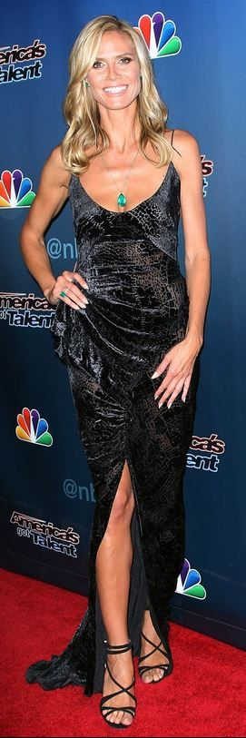 Who made Heidi Klum's jewelry, gown, and black glitter sandals