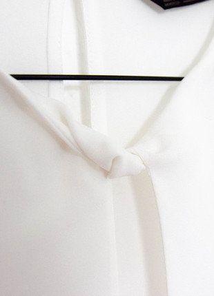 Kaufe meinen Artikel bei #Kleiderkreisel http://www.kleiderkreisel.de/damenmode/kurzarmlig/148212719-weisse-durchsichtige-bluse-von-zara-uberkreuztes-top