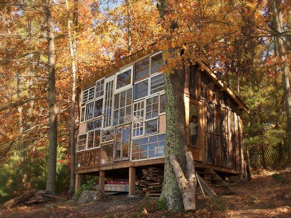 La casa del sole: storia di amore, arte e finestre riciclate