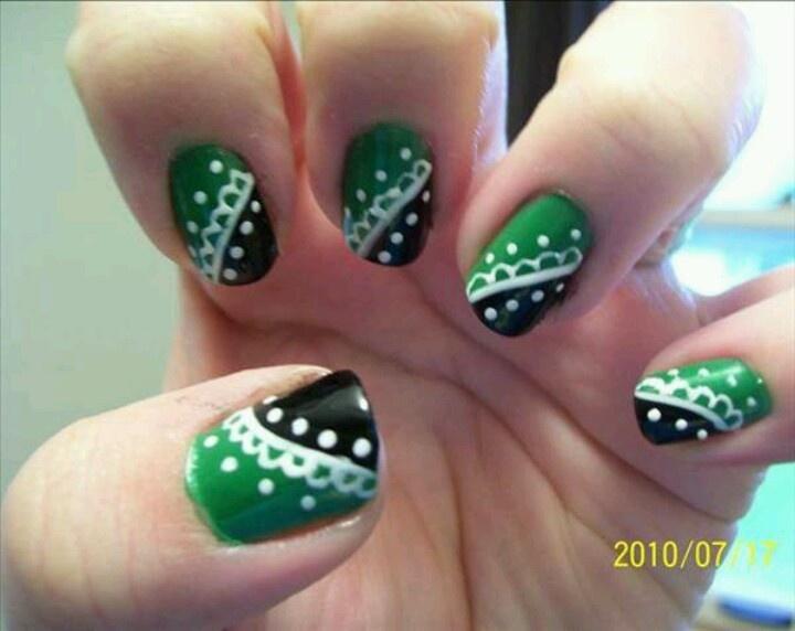 green nail design - Green Polka Dot Nail Design. One Stroke Nail Art Techniquegreen