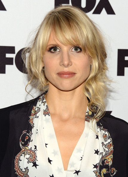 Lucy Punch Hair - Half Up Half Down