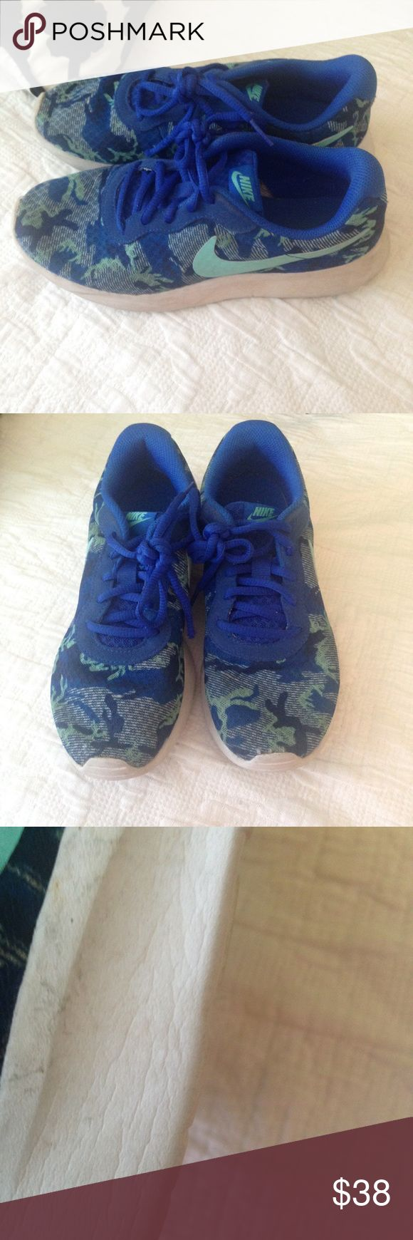 Nike shoe size 7 Super cute.good condition.i take rlly good care of these:) Nike Shoes Athletic Shoes