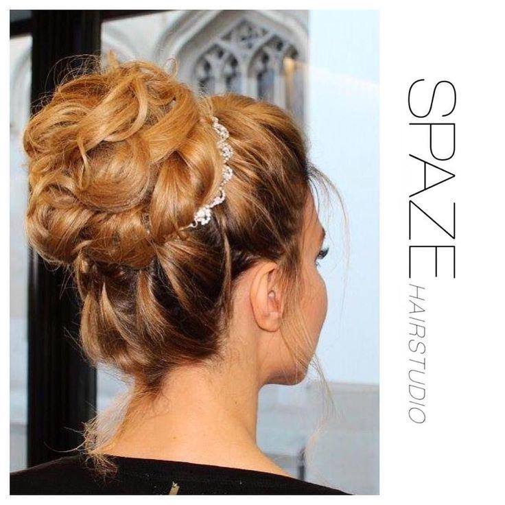 Hochsteckfrisur#spazehairstudio#happyweekend#spaze#hair#hairstyle#wedding#saturday#zürich#niederdörfli#best#hairdresser#instastyle#instagood#hochsteckfrisur#