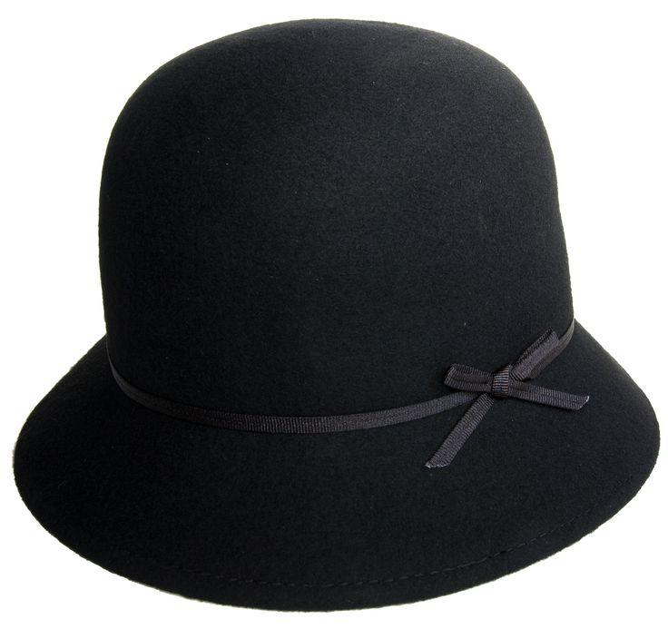 Fagerklokke, svart med sløyfe @ madasahatter.no