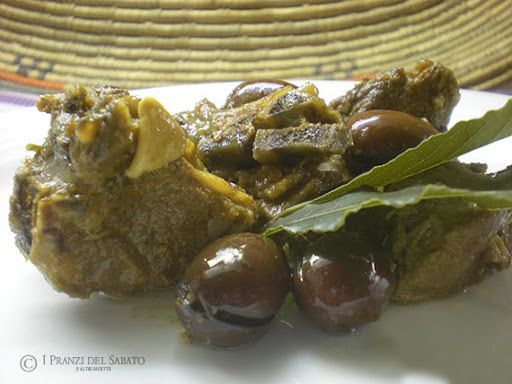 Agnello sardo con olive e finocchietto