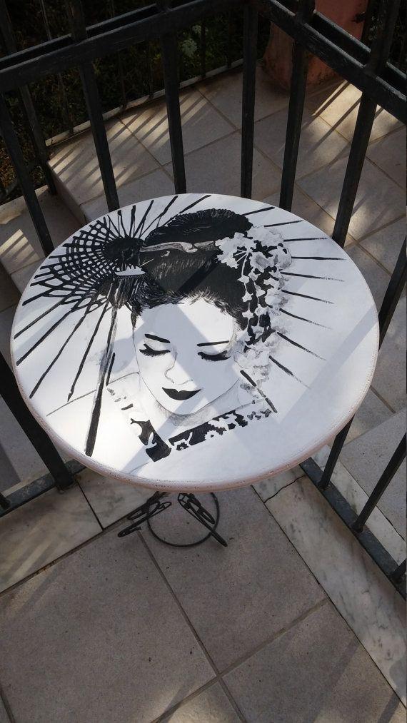 tavolino in legno dipinto a mano omaggio a Memorie di una Geisha by Chimereinarte #italiasmartteam #etsy