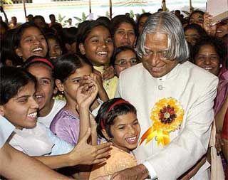 President APJ Abdul Kalam greets destitute children from Shraddhanand Mahilashram during its 75-year celebrations in Mumbai