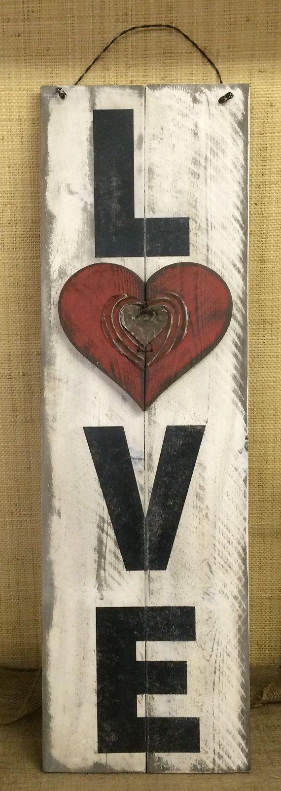 Love / Valentine's Day Sign Handmade & Painted por Chotchkieville