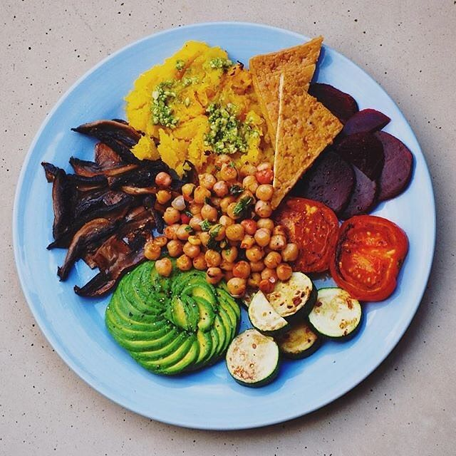 #MeatlessMonday combo from @plentifuel. Roast #butternut  pesto grilled tomatoes  zucchini sautéed mushrooms sliced beetroot spicy #chickpeas #avocado and satay #tofu. #vegan #vegansofig #whatveganseat  Know a vegan who would love this? Tag em! by wholefoods
