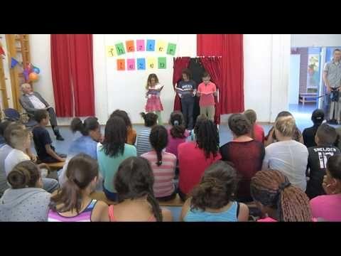 Bij basisschool Pius10 in Dordrecht is de nieuwe methode Theaterlezen geïntroduceerd. De school gaat hiervoor speciale boeken gebruiken. Schrijfster Annemarie Bon was aanwezig om samen met de leerlingen uit de boeken te lezen.