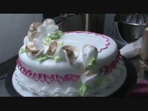Decoración torta con merengue italiano,técnica de las rosas con el palillo
