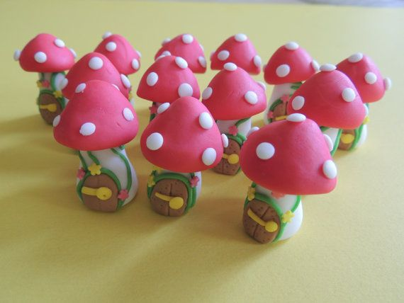 Cake Decorating Pre Made Icing : 17 Best images about Gumpaste-Fondant Mushrooms ...
