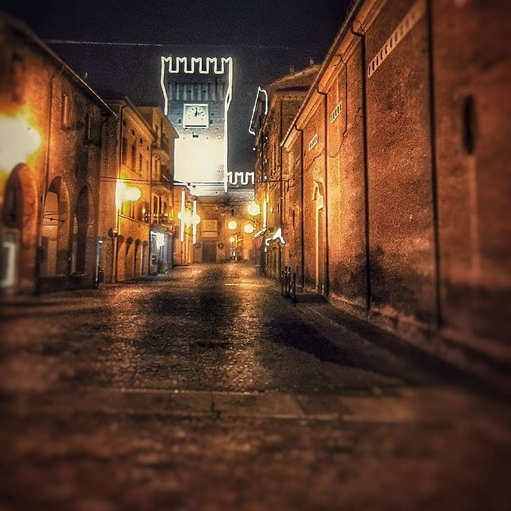 Castello di Spilamberto (MO) - Instagram by lunaticamenteluna