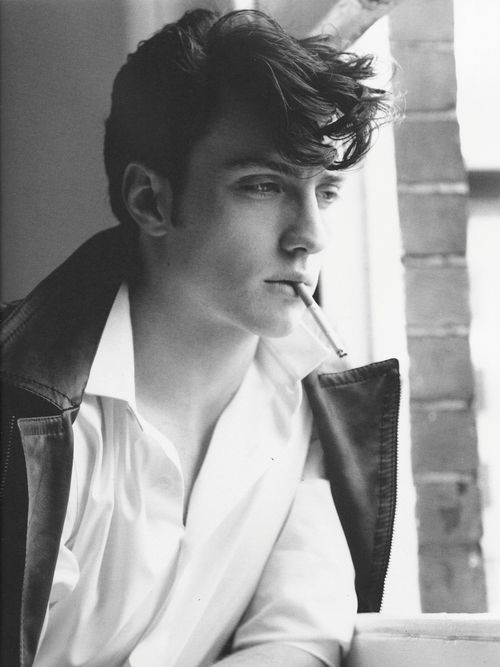 Aaron Johnson- he is just so beautiful. I could stare at him all day. Not to mention he is a wonderful actor.