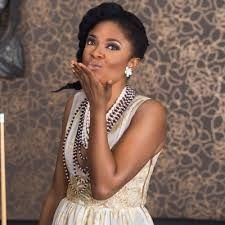 Nollywood actress, Omoni Oboli has definitely had an eventful 2017.  Earlier in the year, she was caught up in a copyright controversy which saw the courts stop her film from premiering. Then she lost her father and grandmother in quick succession.  Now, the filmmaker has narrowly escaped death after a fire outbreak engulfed her bedroom.